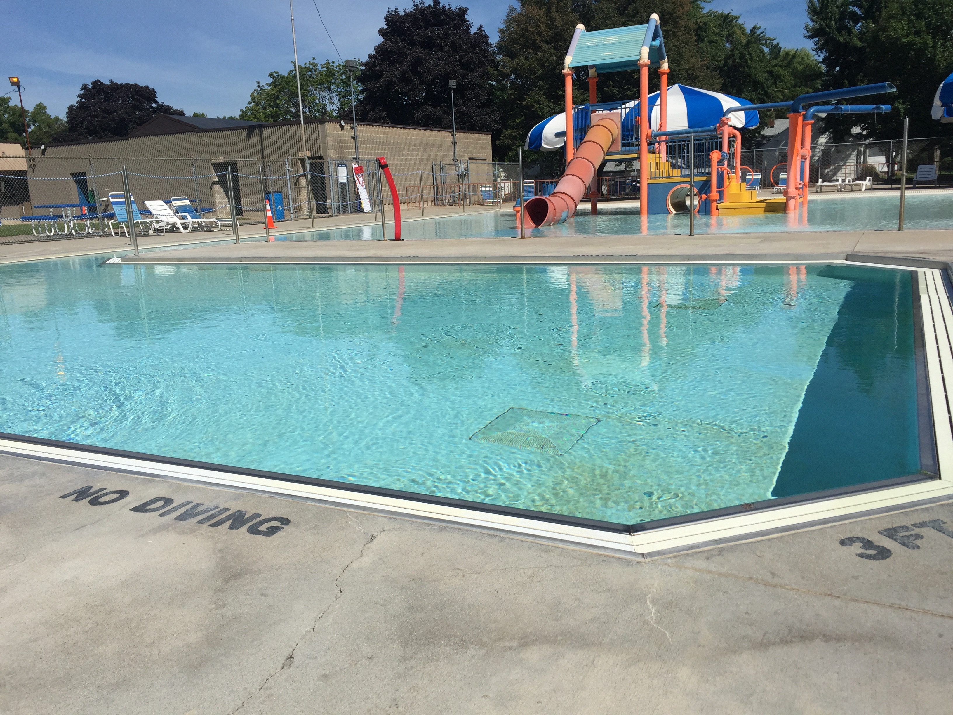 The Splash Pool in South Saint Paul, Minnesota in 2017. Repaired with Concrete Mender in 2001.
